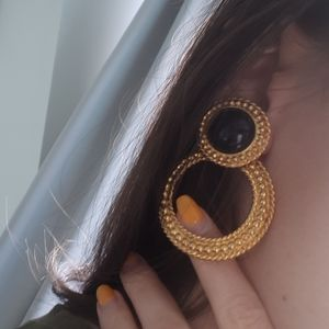 Vintage clip on earrings Gold and Black